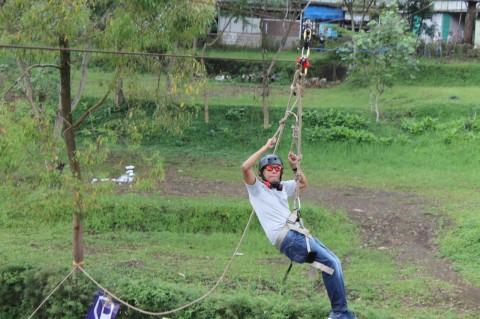 082131472027, Wahana Outbound Jawa Timur, Wahana Outbound Malang, Spot Wahana Flyingfox di Batu